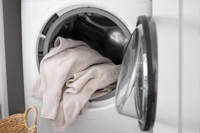 Detergentes y suavizantes para la ropa Arumes
